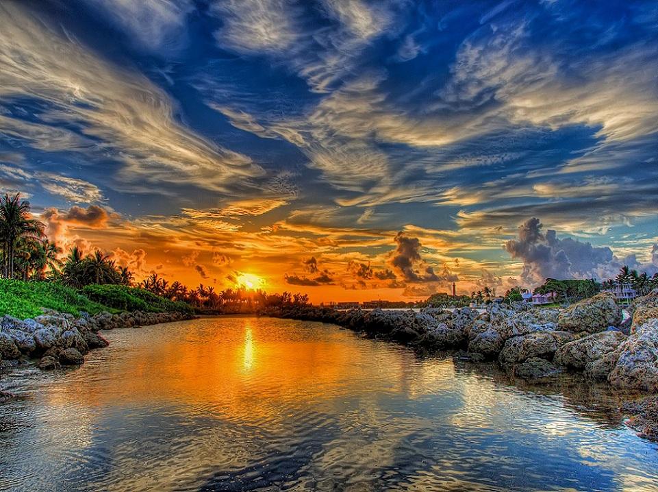 Por do sol na lagoa