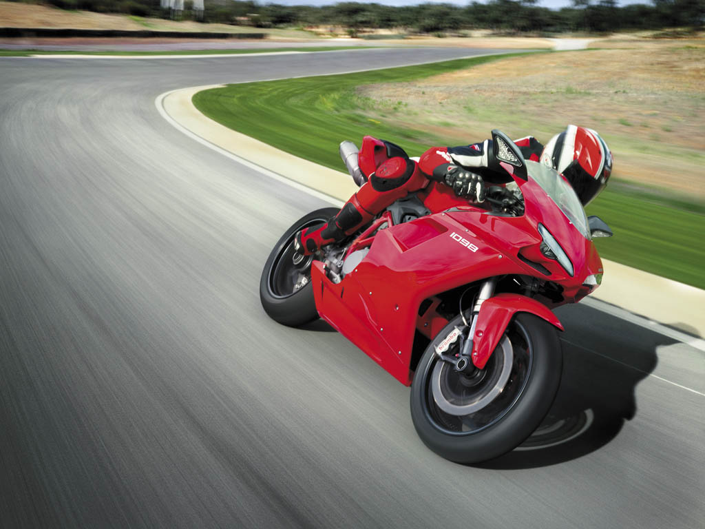 Moto Ducati 1
