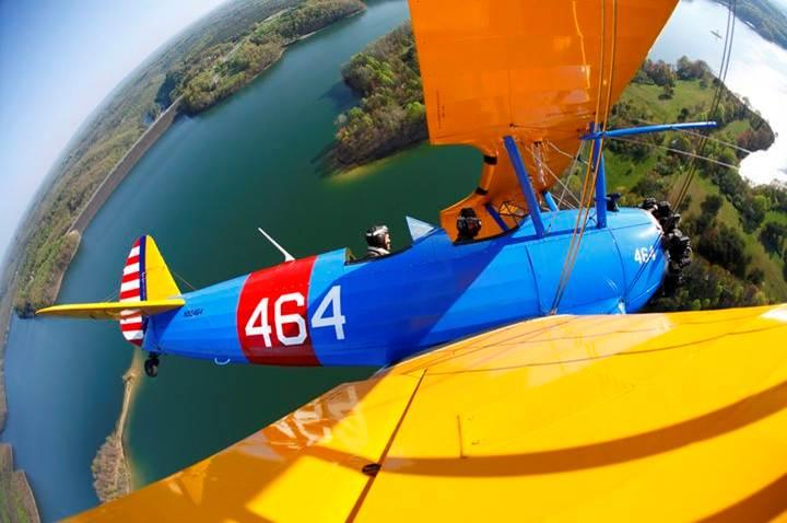 Avião 464