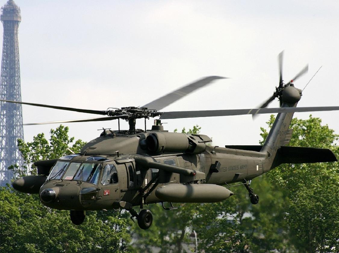 Helicóptero falcão negro 1
