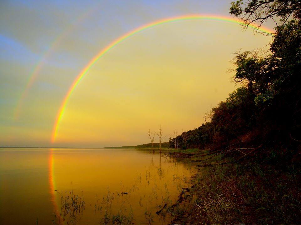 Arco iris no lago